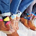 Happy people wear happy socks, sosete haioase, diferite si colorate!