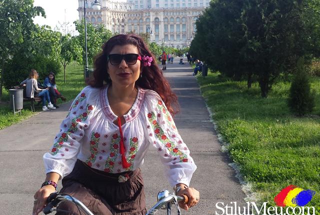 La mulți ani române, oriunde ai fi! ❤️ Cel mai iubit brand de țară pe care România l-a avut si l-ar putea avea vreodată: ia românească! #LaMulțiAniRomânia #ZiuaNaționalăARomâniei #iaromânească