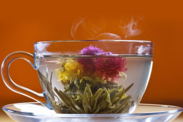 Ceaiurile care infloresc ... un cadou original!