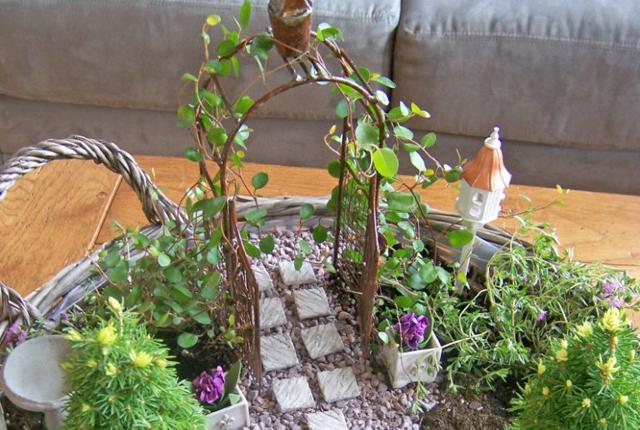 Idei de gradini miniaturale pentru curte sau, de ce nu, pentru un peisaj realist pe balcon!