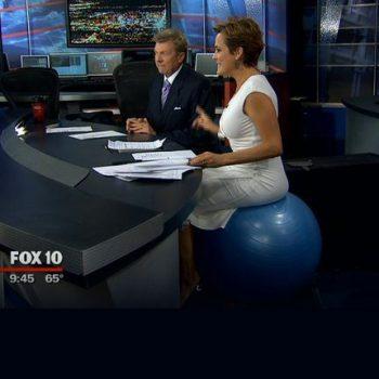 De ce sa inlocuiesti scaunul de birou cu o minge de fitness?