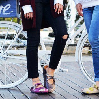 Fericirea la picioarele noastre cu sabotii colorati artistic Goby, #LetYourSoulFree!