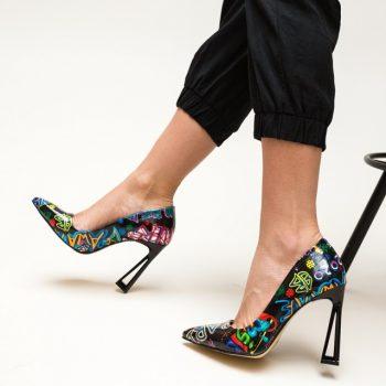 Pantofi cu toc subtire decupat si print colorat Gingi