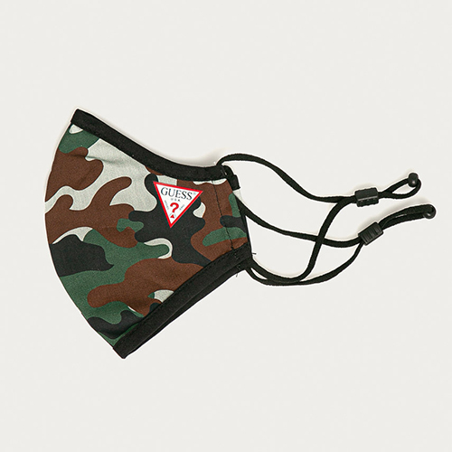 Masca de protectie reutilizabila cu snur reglabil si logo Guess Camuflaj