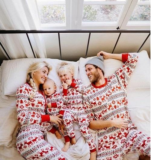 set pijamale happy family sarbatori mama tata si copii