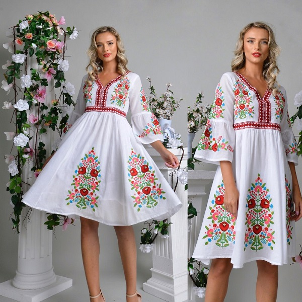 Rochie traditionala cu broderie florala Jasmine