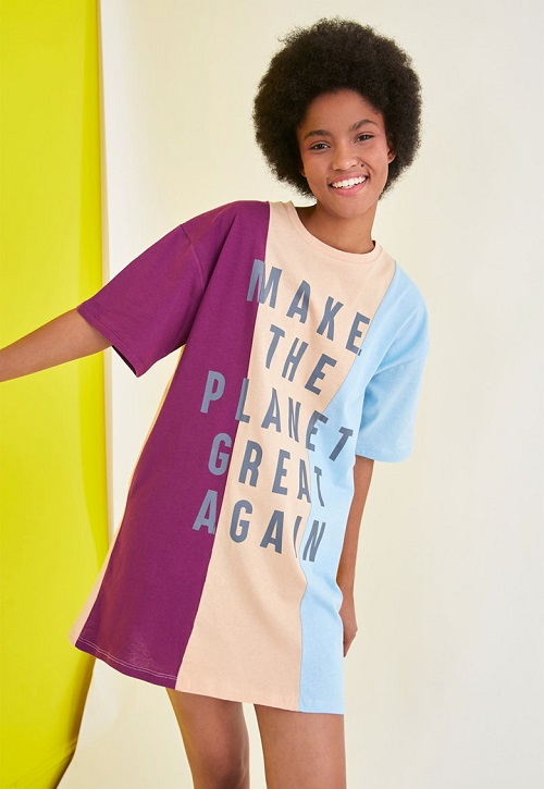Rochie tricou in 3 culori cu decolteu la baza gatului si imprimeu Roz/Mov/Bleu