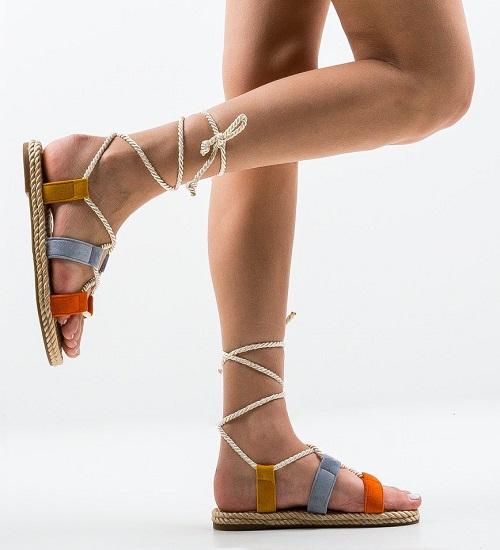 Modele de sandale gladiator cu toc, joase sau cu platforma de incaltat vara aceasta