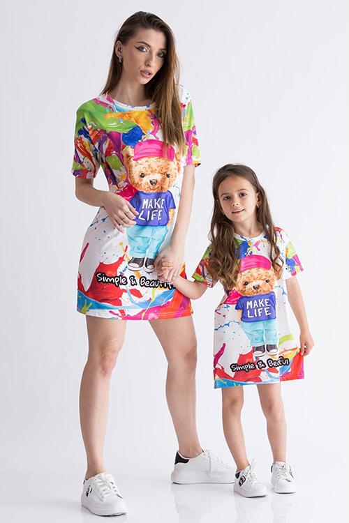 Set 2 rochii de vara sport mama-fiica roz cu inimioare Pret redus 119 RON de la 250 RON, Comanda pe Hainedevis  In curand! Set 2 rochii de vara cu volane mama-fiica