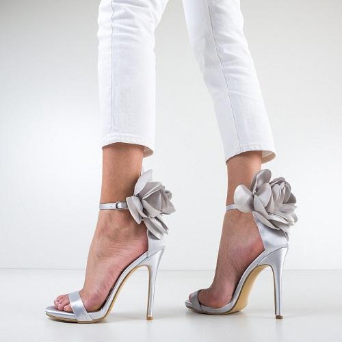 Modele de sandale dama cu toc pentru evenimente