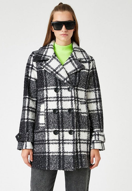 Palton dama scurt in carouri Alb/Negru